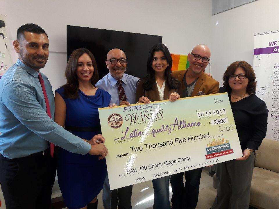 Entrega a la Fundación Latino Equality Alliance – Noticias 62